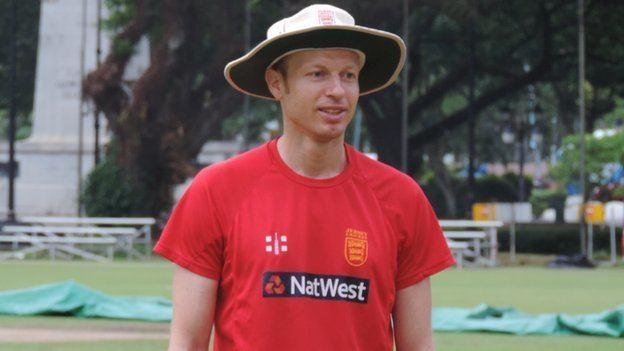 Neil MacRae (Cricketer)