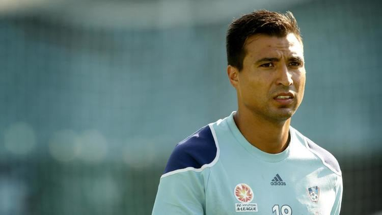 Nick Carle Former Sydney FC star Nicky Carle to focus on coaching kids after