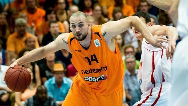 Nick Oudendag AartDekker ORANJE BASKETBALL SUPPORT 39Thumbs Up39 voor