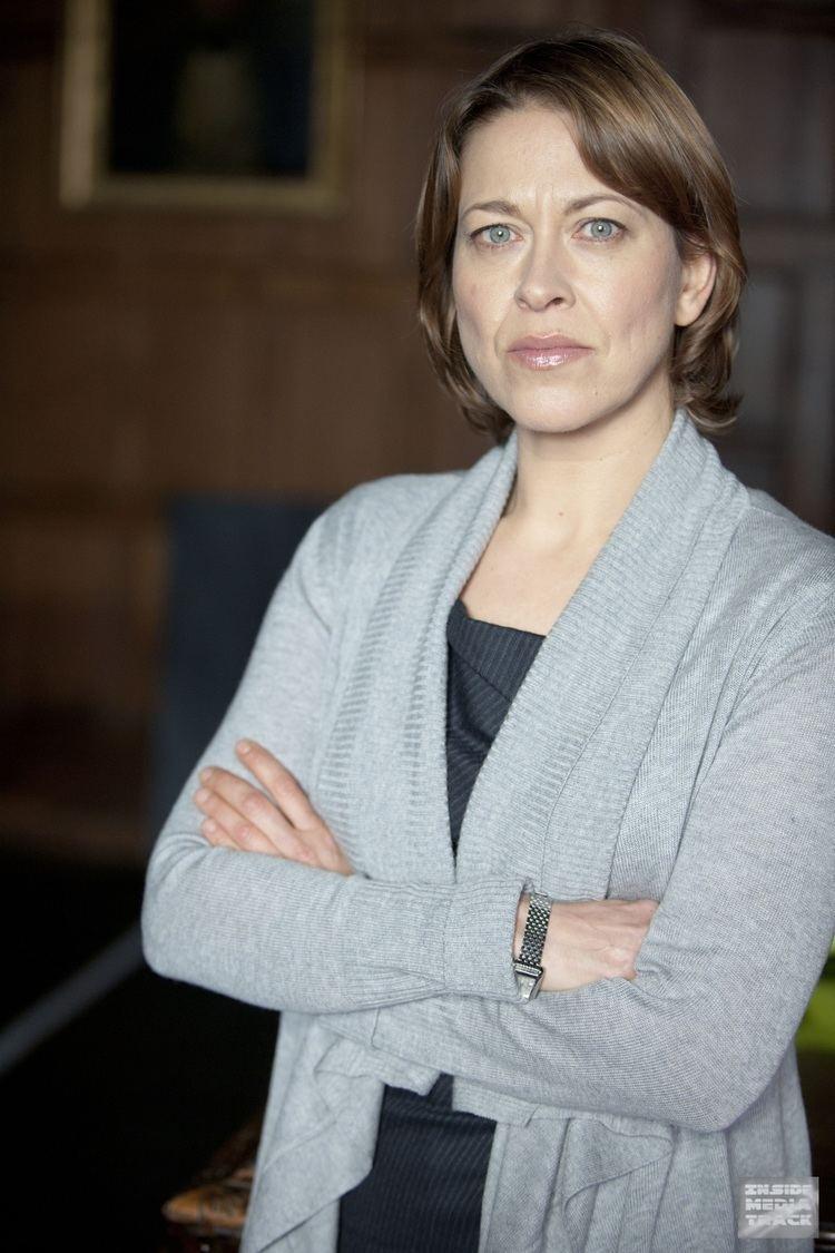 Nicola Walker (born 1970)