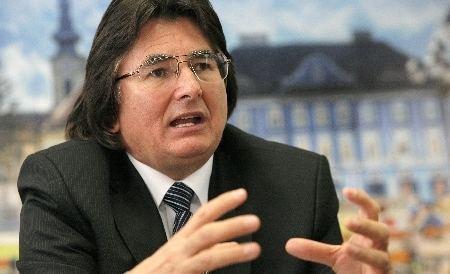 Nicolae Robu Nicolae Robu poate fi contrat doar de un independent