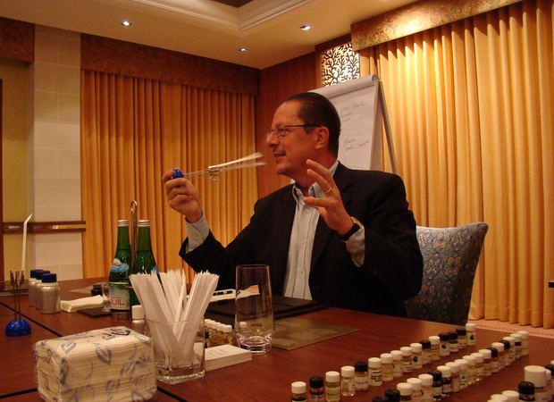 Nicolas de Barry Perfumista francs Nicolas de Barry promove workshop de