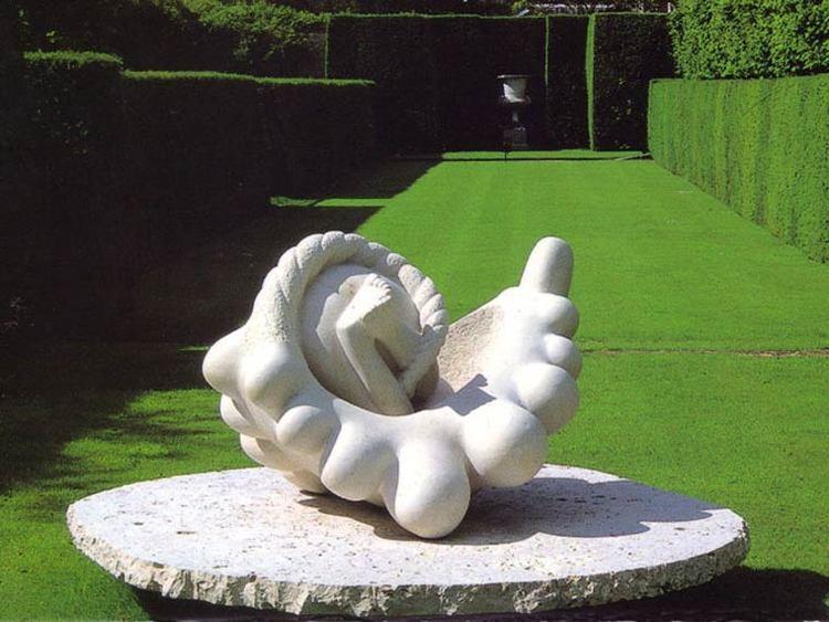 Nicolas Moreton Nicolas Moreton Fine Art Sculptor