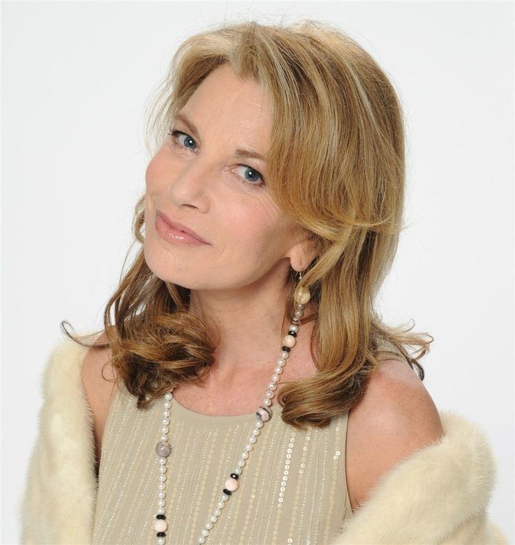 Nicole Calfan Nicole Calfan Fiche Artiste RomancierArtiste