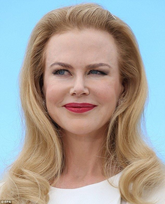 Nicole Kidman Nicole Kidman retains puffy visage during Grace Of Monaco