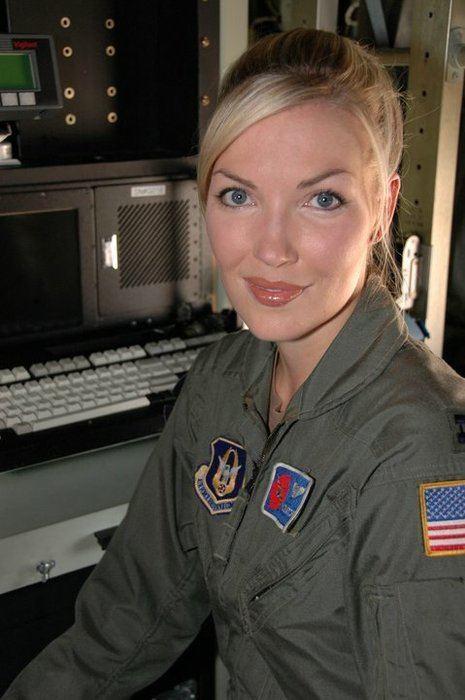 Nicole Mitchell (meteorologist) httpskpbsmediaclientsellingtoncmscomimgph