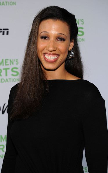 Nicole Powell Nicole Powell Photos 32nd Annual Salute To Women In