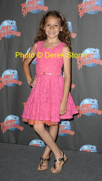 Nicolette Pierini In the News quotTio Papiquot cast appearance at Planet Hollywood