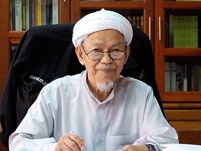 Nik Abdul Aziz Nik Mat 5 fascinating things you didn39t know about Nik Aziz