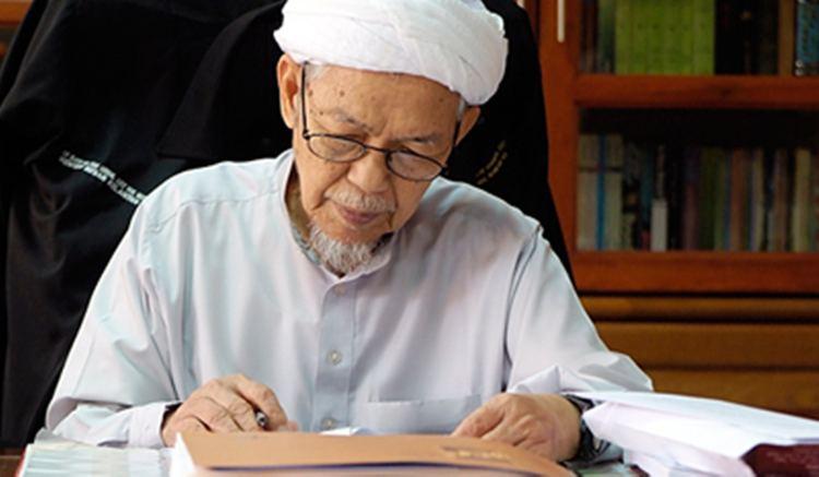 Nik Abdul Aziz Nik Mat Nik Abdul up to date information