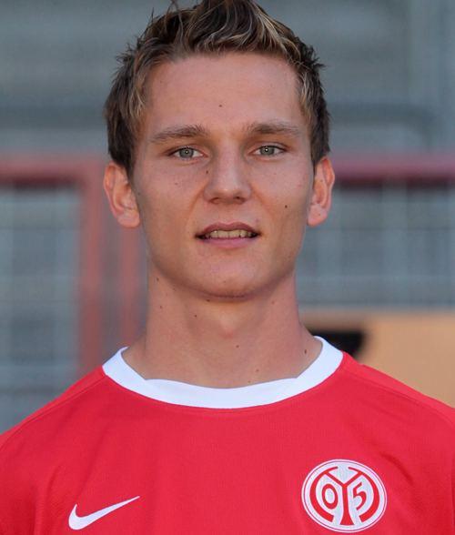 Niko Bungert mediadbkickerde2011fussballspielerxl344153
