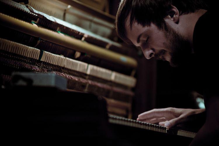 Nils Frahm Review Nils Frahm Solo BeardedGMusic