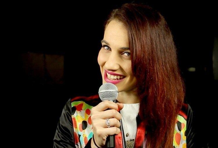 Nina Las Vegas Nina Las Vegas chats backstage at Splendour 2012 YouTube