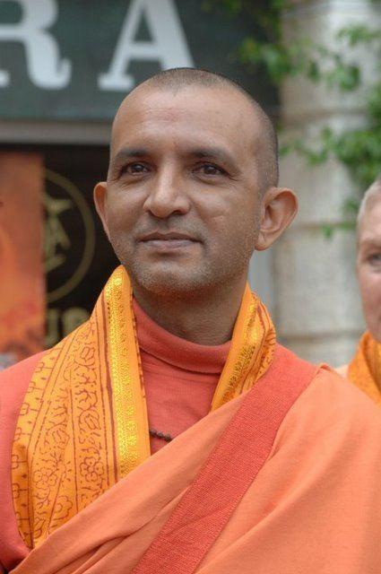 Niranjanananda Saraswati Obaitori what is yoga about