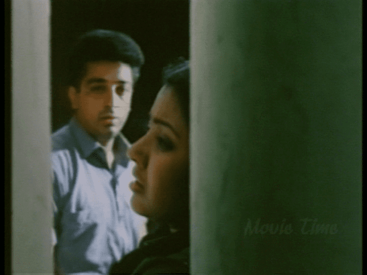 Nizhalgal movie scenes The best scenes in the film are those between Velu s son Surya Nizhalgal Ravi and daughter Charumati Karthika Surya hero worships his father just as