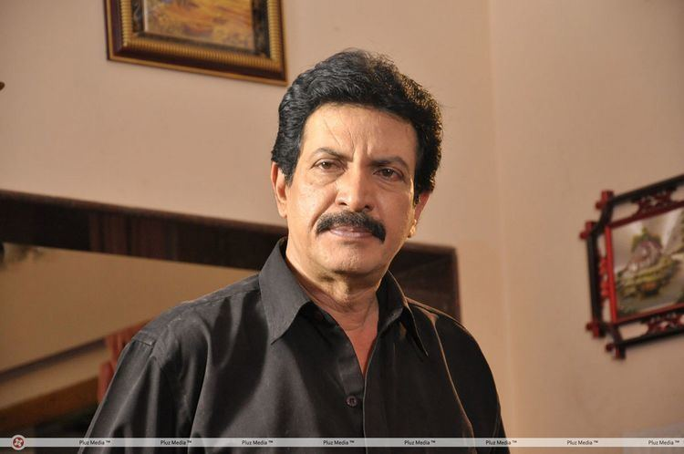 Nizhalgal Ravi Nizhalgal ravi pesamal pesinaal movie stills picture 379906