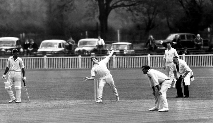 Norman Gifford (Cricketer) playing cricket