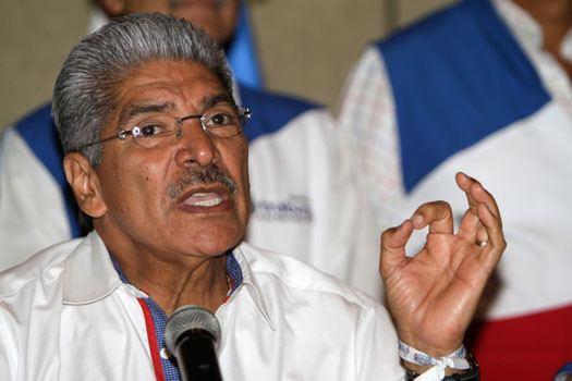 Norman Quijano El Salvador ARENA candidate claims receiving death