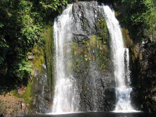 Ntumbachushi Falls wwwzambiatourismcommediaNtumbachushiFalls9s