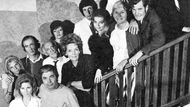 Cast members of Number 96 (TV series) at the stairs.