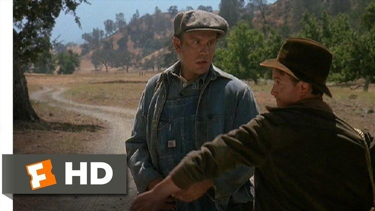 Of Mice and Men (1992 film) Of Mice and Men 110 Movie CLIP Lennies Dead Mouse 1992 HD