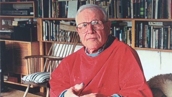 Ogwyn Davies Welsh artist Ogwyn Davies dies aged 90 BBC News