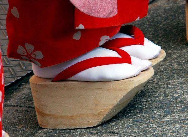 Okobo 1000 images about Okobo on Pinterest Kimonos Platform shoes and