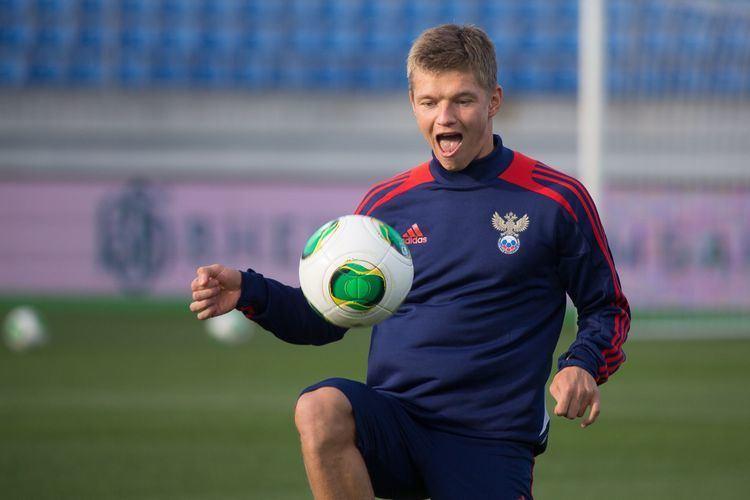 Oleg Shatov Russian midfielder Oleg Shatov wallpapers and images