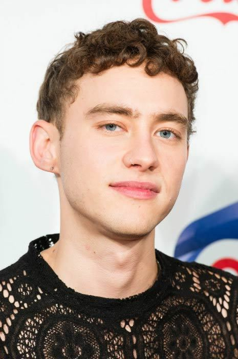 Olly Alexander Olly Alexander Height Weight Body Statistics Healthy Celeb