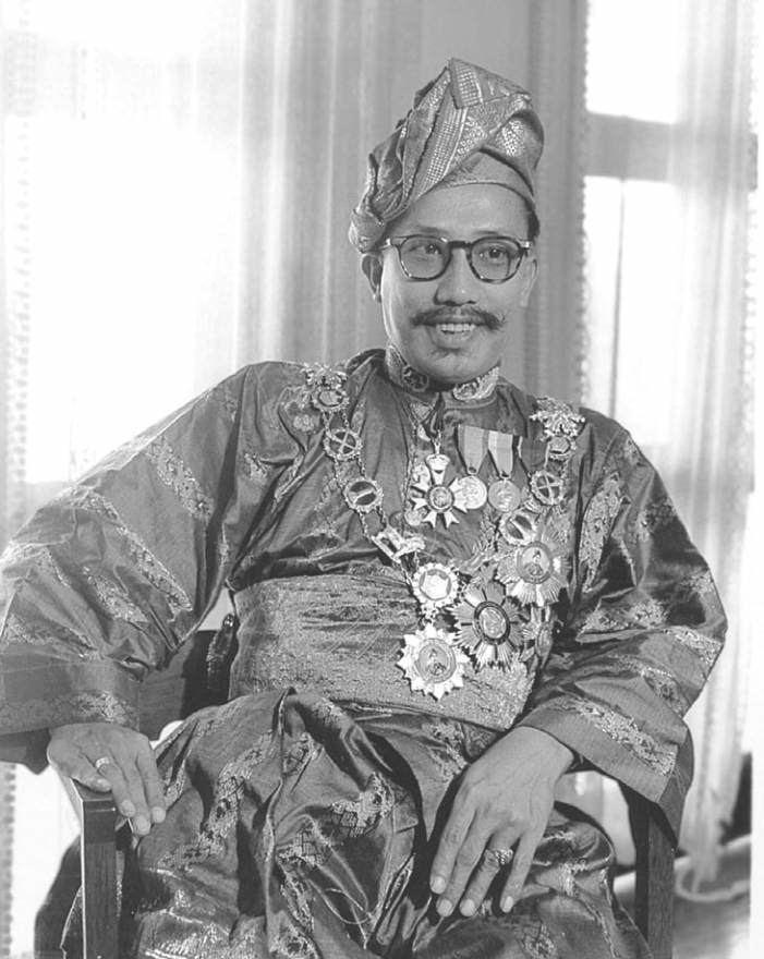 Omar Ali Saifuddien III Omar Ali Saifuddien III