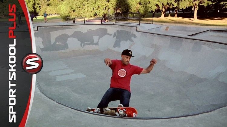 Omar Hassan (skateboarder) How to Skateboard a Small Bowl with Omar Hassan YouTube