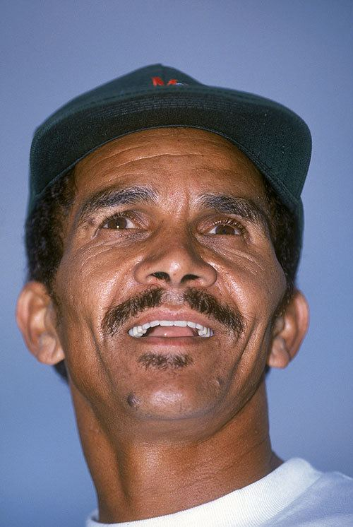 Omar Henry (Cricketer)