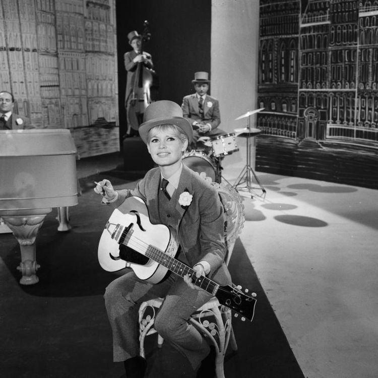 On the Sunny Side (1961 film) On the Sunny Side 1961 film