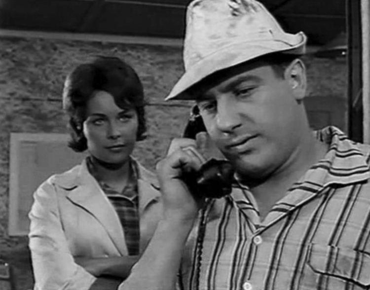 On the Sunny Side (1961 film) httpseastgermancinemafileswordpresscom2013