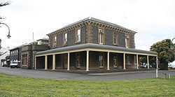 Osborne House (Geelong) httpsuploadwikimediaorgwikipediacommonsthu