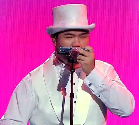 Oscar Chu Oscar Chu Plays Not 1 Not 2 but 8 Harmonicas