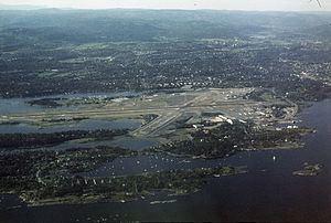 Oslo Airport, Fornebu httpsuploadwikimediaorgwikipediacommonsthu
