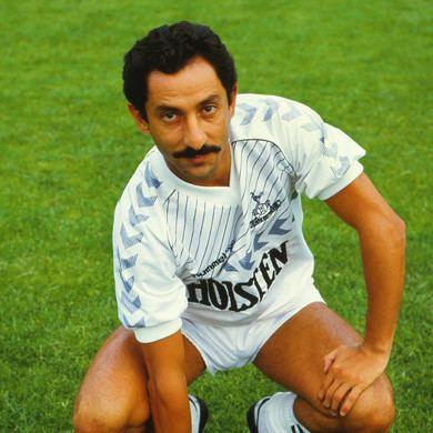 Osvaldo Ardiles One 2 Eleven with Ossie ArdilesExSpurs Legend amp World Cup
