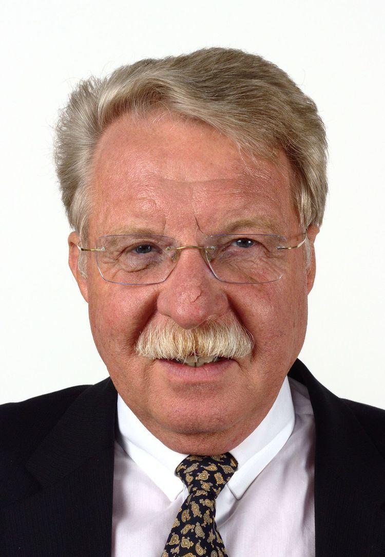 Otmar Bernhard httpsuploadwikimediaorgwikipediacommonsthu