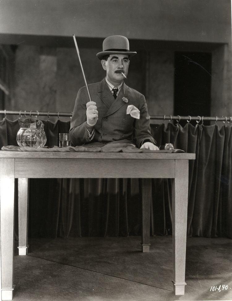 Outside the Law (1930 film) httpswwwmomaorgdassetsW1siZiIsIjIwMTcvMDMv