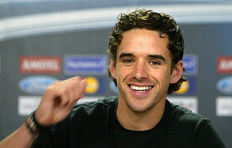 Owen hargreaves alchetron the free social encyclopedia owen hargreaves owen hargreaves has completed his move to man city altavistaventures Gallery