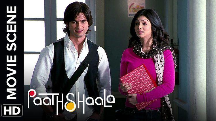 Ayesha and Shahids friendship Paathshaala Movie Scene YouTube