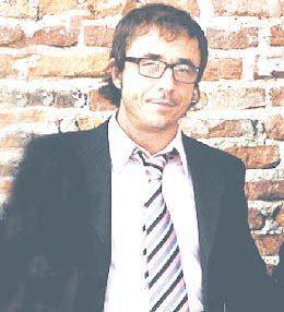Pablo Granados Pablo Granados un actor del caraj Taringa