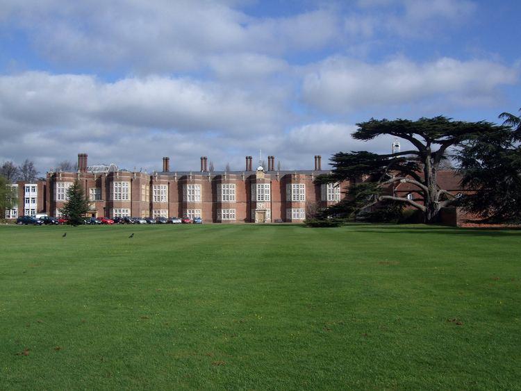 Palace of Beaulieu httpsc1staticflickrcom436603424144149bd08