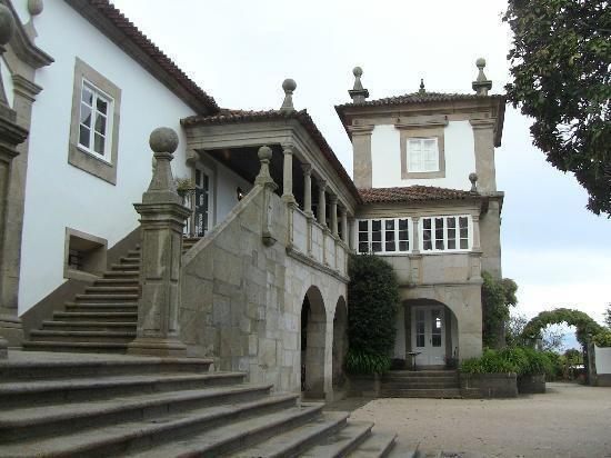 Palace of Calheiros httpsmediacdntripadvisorcommediaphotos02