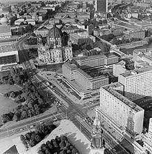 Palasthotel httpsuploadwikimediaorgwikipediacommonsthu