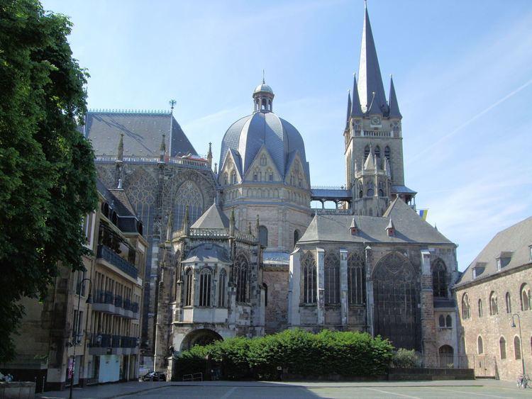 Palatine Chapel, Aachen FileAachen Cathedral And Palatine Chapel Germanyjpg Wikimedia