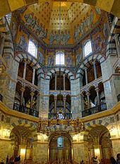 Palatine Chapel, Aachen httpsuploadwikimediaorgwikipediacommonsthu
