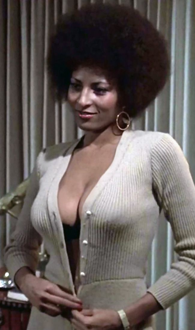 Pam Grier Pam Grier as Foxy Brown wants Halle Barry to be her on