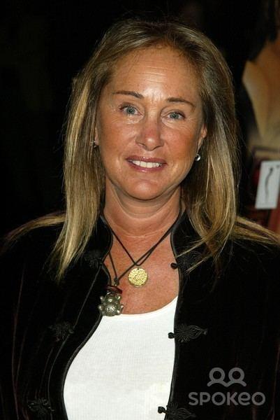 Pamela Bellwood africa